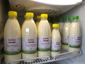 Il nostro latte, giallo come pochi altri per via del beta-carotene contenuto nell'erba dei nostri pascoli